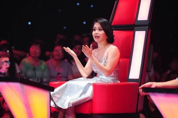 Hà Vy và Nhã Thy bước lên sàn đối đầu Giọng hát Việt nhí