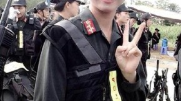 Trần Thị Minh Châu trong bộ cảnh phục đặc nhiệm. Ảnh: NVCC.