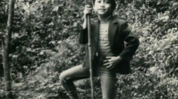 Tuấn Hưng sở hữu ngoại hình điển trai ngay từ bé. Hiện tại, gương mặt anh chẳng khác ngày thơ ấu là mấy.