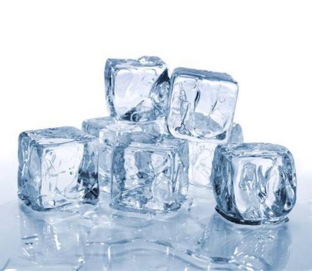 5 hiệu quả làm đẹp không ngờ từ đá lạnh