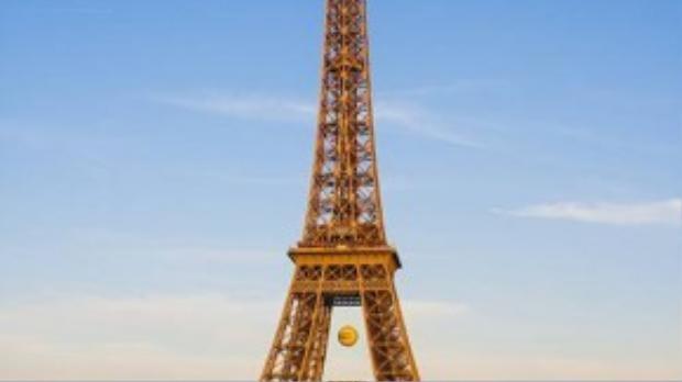 Toàn cảnh tháp Eiffel chụp từ quảng trườngTrocadéro.