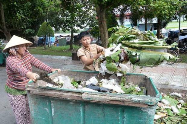 Cậu bé quét rác vào đại học