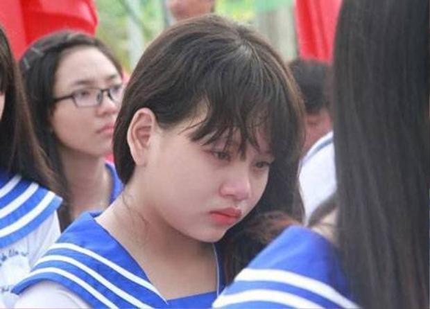 Xúc động nữ sinh 12 kể về mẹ khiến cả trường rớt nước mắt