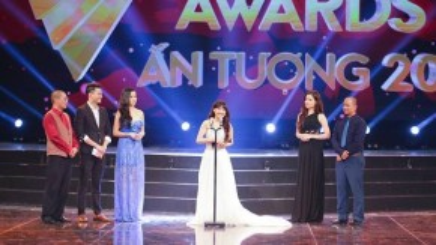 Nhã Phương nhận giải Nữ diễn viên ấn tượng.