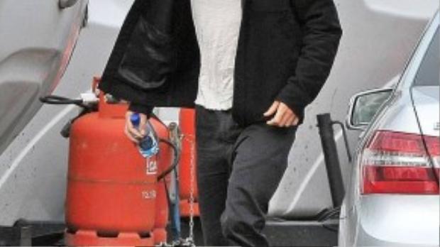 Robert bắt đầu quay The Lost City Of Z từ tháng 8 và sẽ tiếp tục ở lại Bắc Ireland đến cuối tháng 9, sau đó tới Colombia, Nam Phi tiếp tục ghi hình. Bộ phim lấy bối cảnh thập niên 20 ở thế kỷ trước, Brad Pitt là một trong những nhà sản xuất.