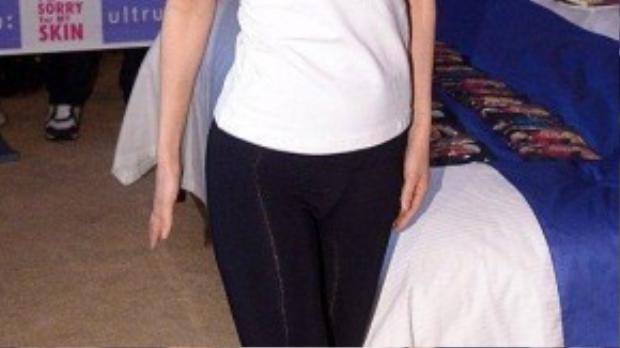 Nicole vướng nghi án nâng ngực trong sự kiện hồi tháng 4.
