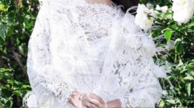 Janine Tugonon đoạt danh hiệu hoa hậu Hoàn vũ Phillippines năm 2012 và là đại diện Philippines tham dự cuộc thi Hoa hậu Hoàn vũ Thế giới 2012 được tổ chức tại Las Vegas, Mỹ. Trong cuộc thi, Janine chiến thắng với danh hiệu Á hậu 1.