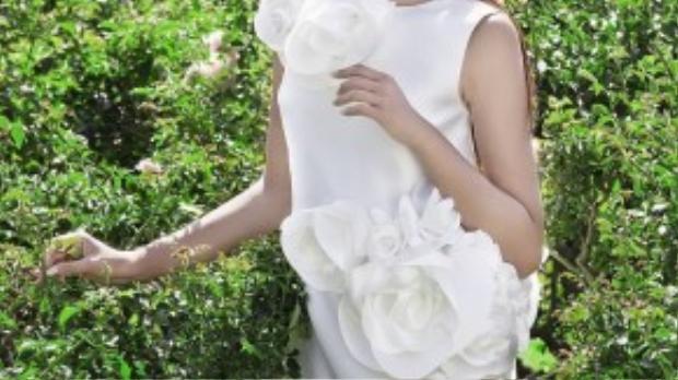 Mái tóc đen cùng vẻ đẹp thuần châu Á là một trong những lí do khiến NTK Đỗ Mạnh Cường mời hoa hậu tham gia buổi chụp hình cho BST Xuân Hè 2015 của mình tại tiểu bang California, Mỹ.