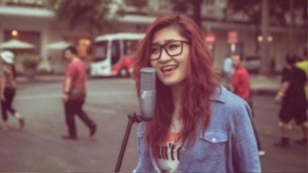 Vicky Nhung đã từng là cô gái nữ tính, dịu dàng.