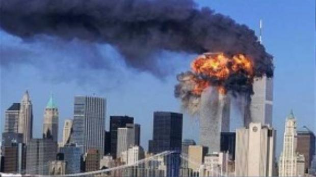 Chiếc máy bay thứ 4 bị bọn khủng bố khống chế rơi xuống một cánh đồng gần Shanksville thuộc bang Pennsylvania là thời khắc kinh hoàng cuối cùng trong chuỗi sự kiện 11/9. Tháng 10/2001, Tổng thống Bush phát lệnh tấn công và tiêu diệt chủ nghĩa khủng bố. 10 năm sau, Mỹ tiêu diệt trùm khủng bố Osama bin Laden - kẻ chịu trách nhiệm cho thảm kịch khiến khoảng 3.000 người thiệt mạng. Ảnh: AP