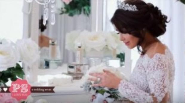 Cô dâu đẹp hút hồn trong bộ đầm cưới.