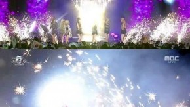Trong buổi lễ mừng quốc khánh Hàn Quốc vào tháng 8, SNSD tới biểu diễn trên sân khấu khá hoành tráng với pháo hoa được bắn liên tục. Tuy nhiên, gần cuối màn trình diễn, các thành viên bị chìm ngập trong khói pháo hoa khiến họ khó thở, họ sặc sụa cũng như không thể mở mắt. Các ca sĩ liên tục che miệng trong khi vẫn phải cầm mic.