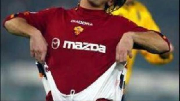 Đây là pha ăn mừng trong màu áo Roma.