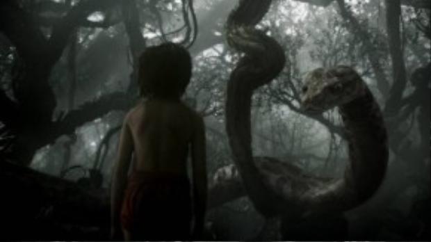 Rừng rậm u ám nay càng thêm đáng sợ với sự xuất hiện của một chú rắn khổng lồ.