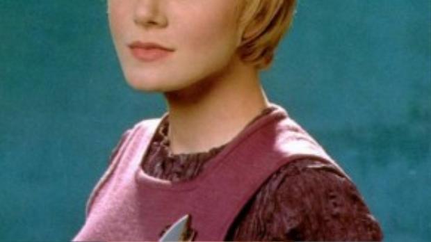 Jennifer Lien trong vai Kes của series phim Star Trek: Voyager.