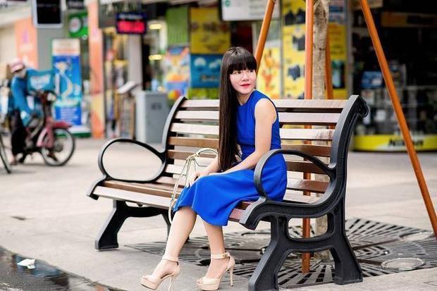 Hồ Duyên Trang  Quý cô đam mê phong cách dạo phố thanh lịch