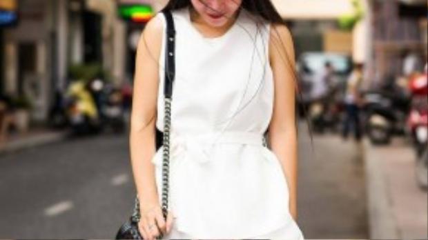 """""""Mỗi sáng sớm ra đường mặc đẹp, tôi cảm thấy mình làm việc tốt hơn"""", tuyên ngôn của Duyên Trang, cũng chính là một trong những bí quyết tạo nên sự thành công của cô."""