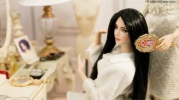 Thí sinh Trịnh Quỳnh Lamđang được chuyên gia của ekip MBD Vietnam chăm sóc tóc.