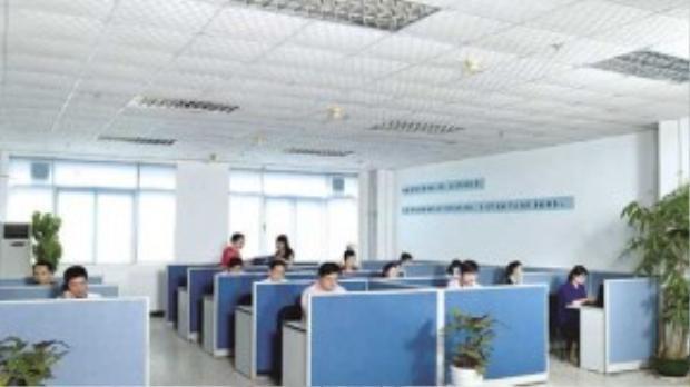 Một không gian làm việc đầy đủ ánh sáng giúp bạn có hứng thú làm việc.