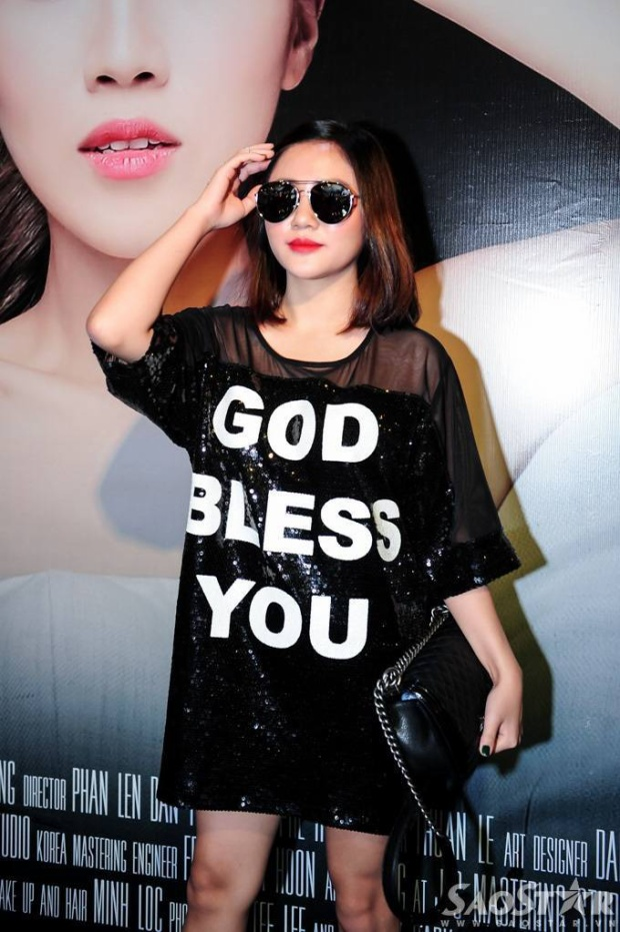 Trang Pháp ra mắt MV hoành tráng tại rạp chiếu phim
