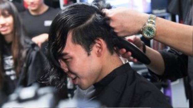 Ngược lại, cũng có những thí sinh bày tỏ sự thích thú với mái tóc mới của mình. Thành An đã sẵn sàng chia tay quả đầu lãng tử đến xuất hiện với một diện mạo hoàn toàn khác.