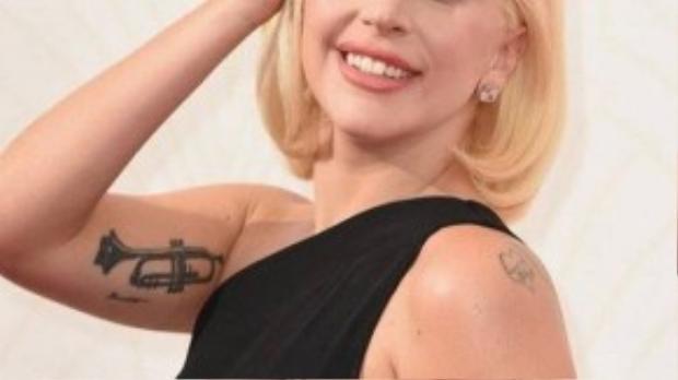 """Hình ảnh """"ngoan hiền"""" và giản dị của nữ ca sĩ khiến khán giả cảm thấy thích thú."""