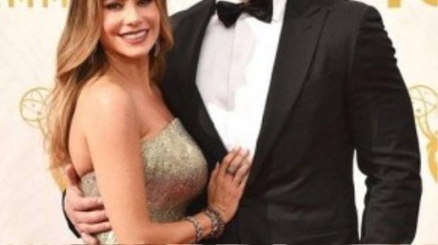Sofia Vergara sánh đôi cùng vị hôn phu Joe Manganiello. Bộ phim Modern Family nữ diễn viên 43 tuổi tham gia được đề cử ở hạng mục phim hài.
