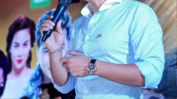Bình Minh phát biểu trong sự kiện. Anh hiện giữ vai trò Phó chủ tịch Hội Điện ảnh Việt Nam.