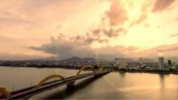 Đà Nẵng xuất hiện nhiều lần trong clip với những hình ảnh của một thành phố hiện đại, đẹp đẽ với đầy màu sắc.
