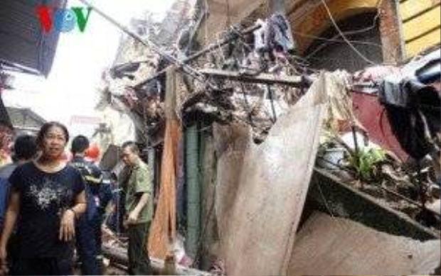 Sập nhà cổ tại 109 Trần Hưng Đạo, đã cứu được 15 nạn nhân