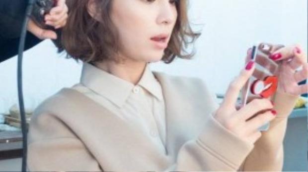 Về cuộc sống vợ chồng, Lee Min Jung thường cùng ông xã Byung Hun tham dự các buổi tiệc gặp gỡ, đám cưới bạn bè… Lee Byung Hun cũng đã công khai xin lỗi vợ vì những gian dối vừa qua.