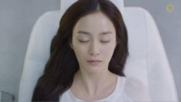 Ấn tượng đầu tiên của khán giả về Yeo Jin là một cô tiểu thư si tình. Quá đau đớn trước cái chết của bạn trai, cô đã chọn cách tự tử.