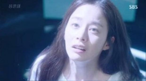 """Trong tập 4, Yeo Jin chính thức tỉnh lại trước mặt """"Thiên tài lang băm"""" Kim Tae Hyun (Joo Won). Đây được xem như bước ngoặt quan trọng, đưa bộ phim chuyển sang một giai đoạn mới."""
