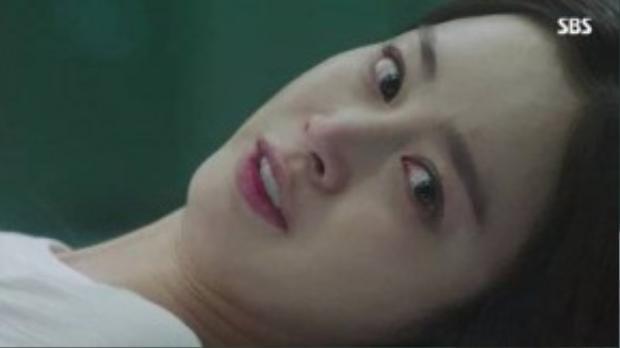 Những tưởng sau khi tỉnh lại, Yeo Jin sẽ thoát khỏi việc bị giam cầm, nhưng thực tế hoàn toàn trái ngược. Theo dõi hai tập 5 và 6 của Yong Pal, khán giả đã được phen toát mồ hôi khi Yeo Jin suýt bị Han Do Joon (Jo Hyun Jae) giết hại.