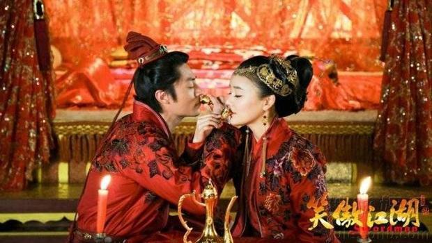 Nam thần cổ trang Hoa ngữ cứ lên phim là cưới