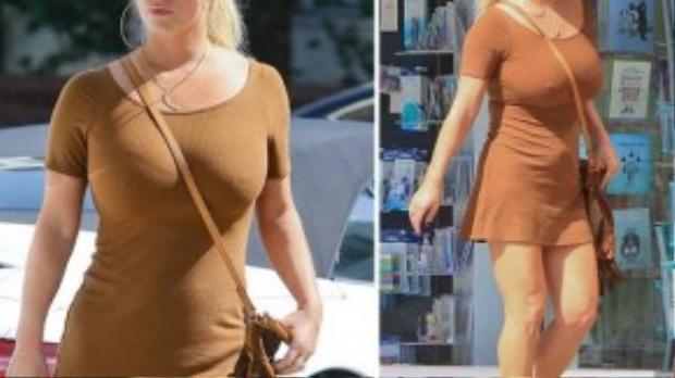 Jessica Simpson nóng bỏng trên phố.