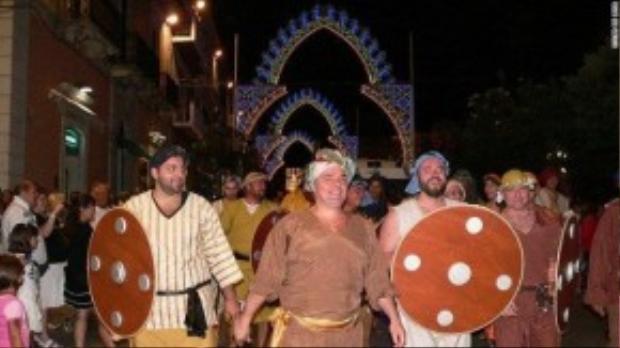 Tháng 8 hằng năm, lễ hộ Termoli được tổ chức tái hiện lại trận chiến năm 1566, người dân đã bảo vệ chủ quyền khỏi thế lực Suleiman.