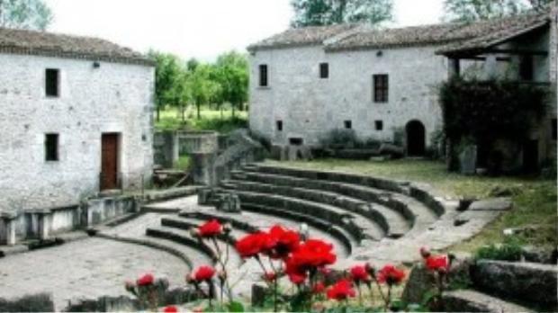 Saepinum là một trong những ngôi làng cổ được bảo tồn tốt nhất, là hình mẫu cho thị trấn cổ xưa La Mã.