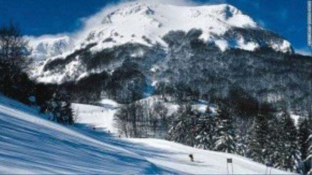 Campotello Matise (ảnh) và Capracotta là hai khu nghỉ dưỡng trượt tuyết nổi tiếng của Molise.
