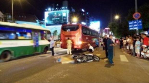 Hiện trường vụ tai nạn tại giao lộ Nguyễn Văn Trỗi - Huỳnh Văn Bánh. Ảnh: Trường Nguyên.