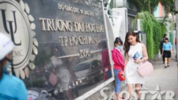Cô theo học chuyên ngành luật hình sự tại trường Đại học Luật TP HCM.