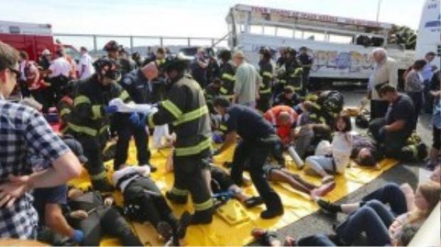 Đã có 4 người chết và hơn 50 người khác bị thương trong vụ tai nạn.