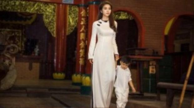 Sau khi ly hôn cùng diễn viên Thành Đạt, Diệp Bảo Ngọc và chồng cũ vẫn xem nhau như những người bạn để chăm lo cho con trai Minh Khang một cách đầy đủ nhất.