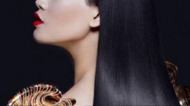 Vẻ đẹp quyến rũ và bí ẩn của Nguyễn Oanh.