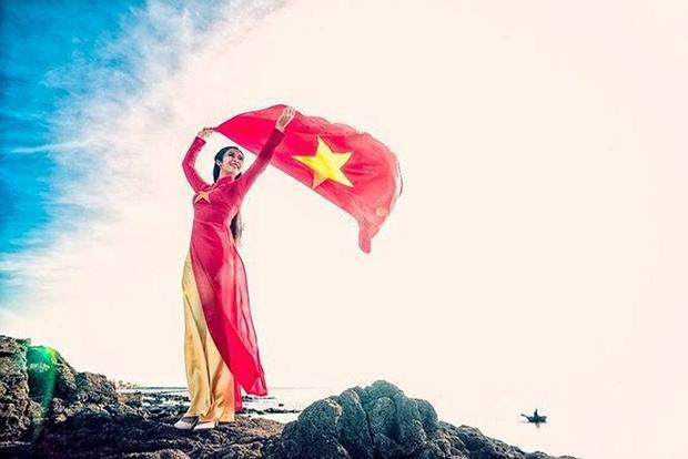 Sao Việt đẹp rực rỡ trong sắc áo cờ đỏ sao vàng
