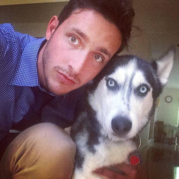 Cặp đôi bác sĩ đẹp trai và cún cưng càn quét mạng xã hội
