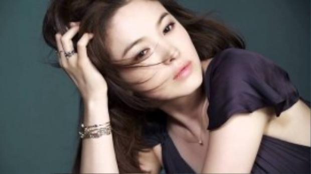 """Son Hye Kyo """"bám sát"""" Kim Soo Hyun để dành vị trí thứ 4."""