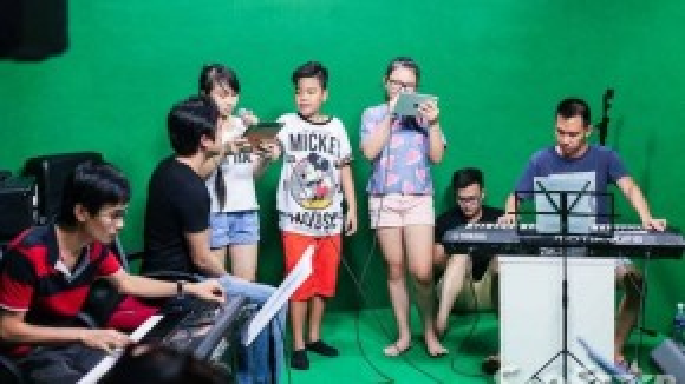 Cả bốn thầy trò đã có những giây phút tập luyện hào hứng với dàn nhạc và giám đốc âm nhạc Lưu Thiên Hương. Tuần này, Dương Khắc Linh quyết định lựa chọn bài hát Con đường tôi để các học trò của mình cùng sẻ chia cảm xúc.