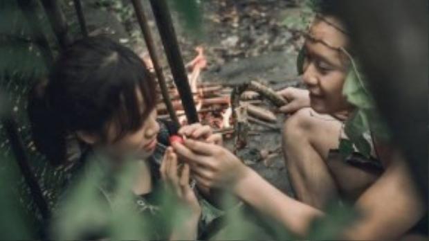 Những cử chỉ quan tâm, chân chất của chàng trai khiến cô gái bắt đầu có cảm tình.