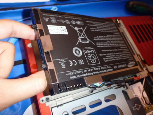 Có nên lúc nào cũng cắm sạc cho laptop?